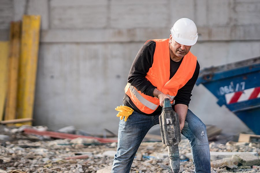 choosing the right commercial demolition contractors